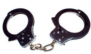 12754_hand_cuffs.jpg