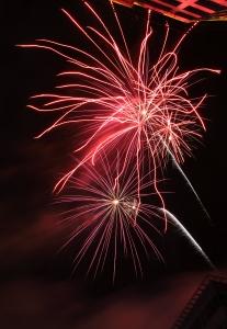 1327447_fireworks_5_1.jpg