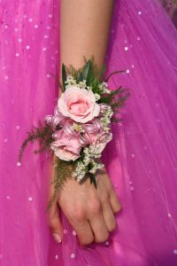 856874_close-uppink_dressflower-arm-hand.jpg