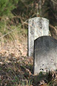 951616_gravestones.jpg